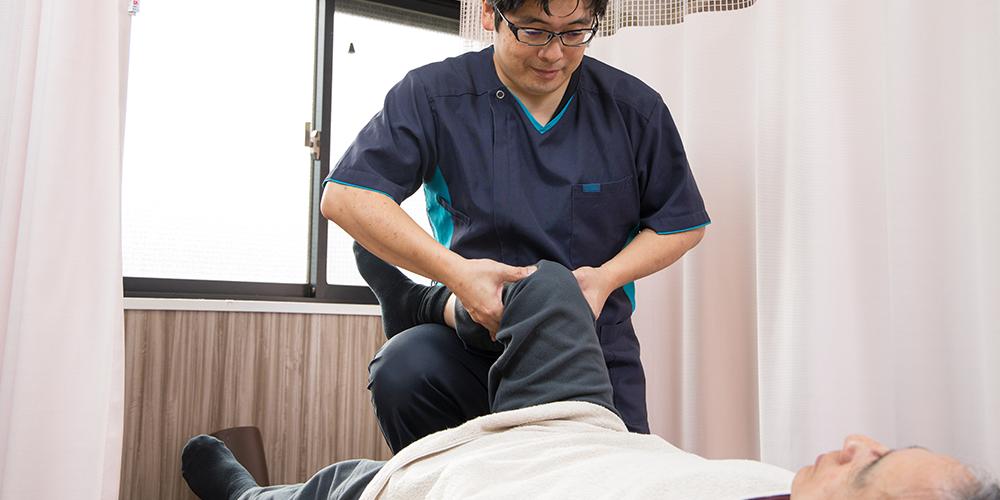 膝関節の施術風景
